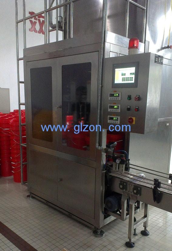 全自动活塞式定量液体灌装机更高的要求